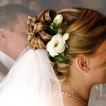 Hochsteckfrisur zur Hochzeit, Sandra Knopp, fotolia