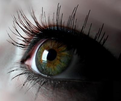 Auge mit Wimpern